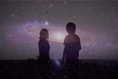 Amore ha occhi che gettano sguardi sull'eterno che ti sta dentro. (di Emanuele Casale – Le storie di Mirreil)