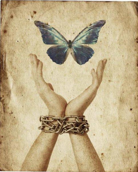 La LIBERTA' (quella vera) è INTERIORE. Non fuori, ma è al nostro interno che esiste la libertà.