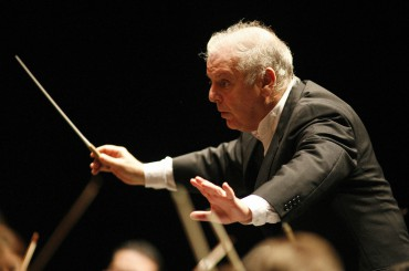 Argentinian-born conductor Daniel Barenb