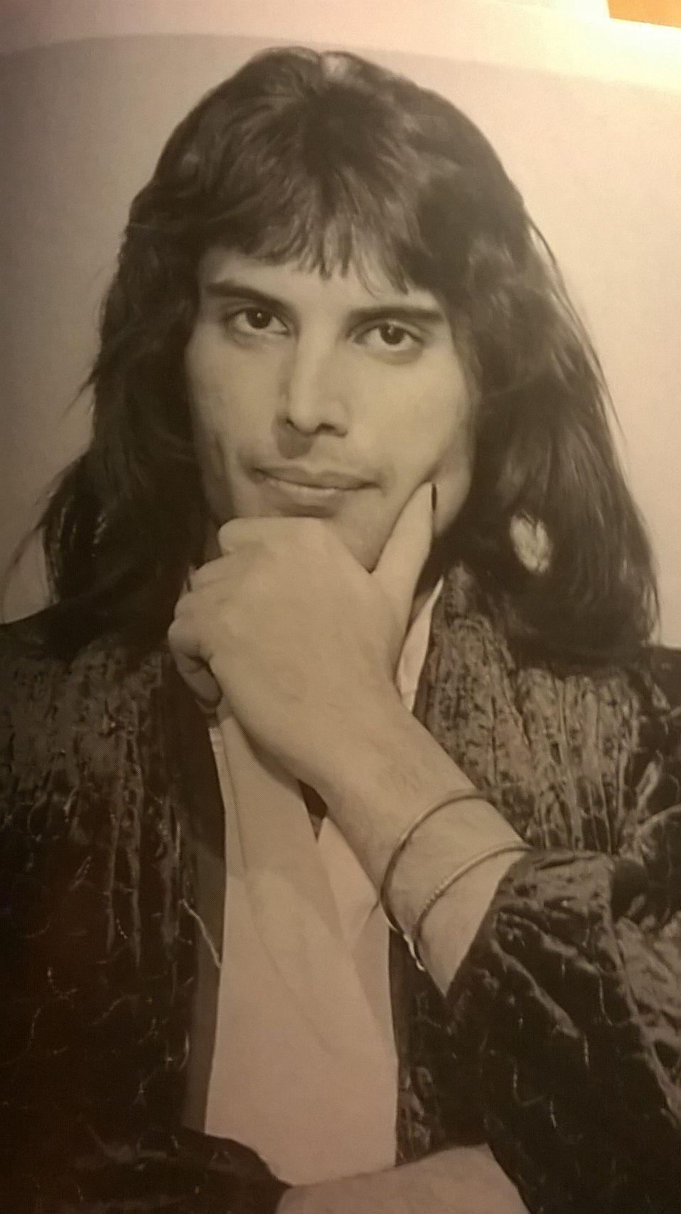 Auguri Freddie Mercury! Nasceva il 5 Settembre 1946, la voce più bella del mondo!
