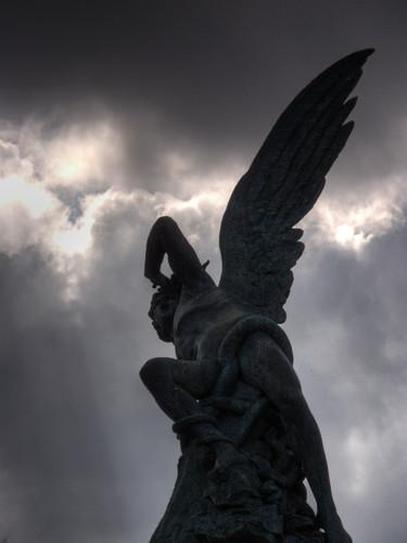 Michele Mezzanotte Lucifero Portatore di Luce