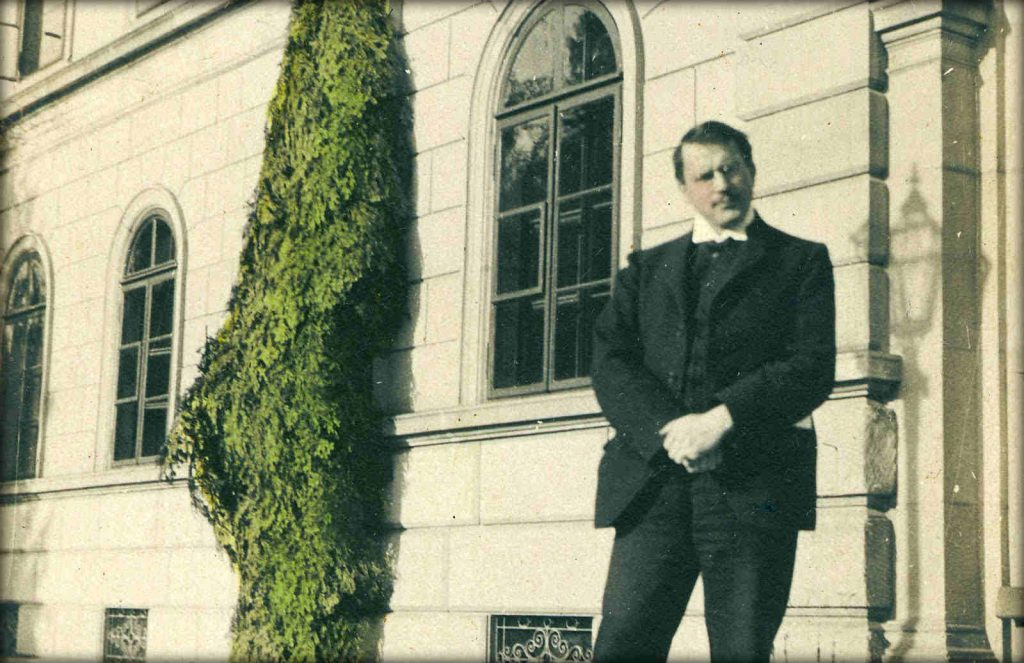 Il giovane Jung fuori la clinica del Burgholzli